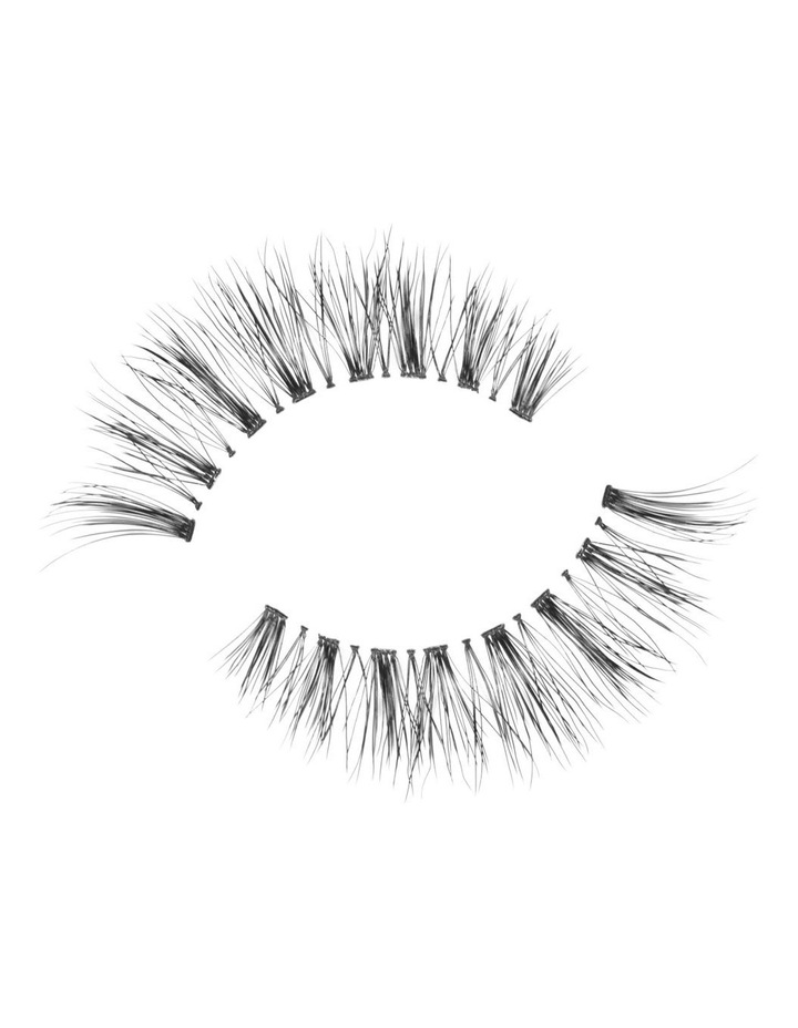 Look Real Faux Lashes  - Glamour  - Helena image 3