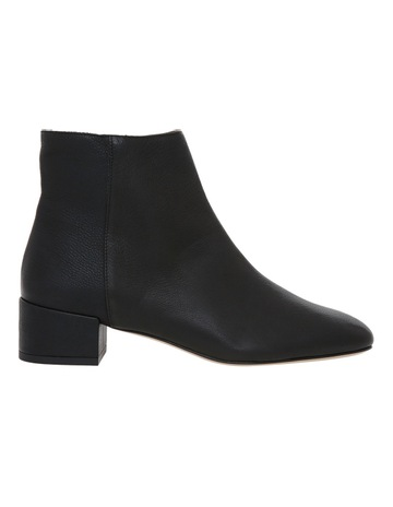 Innovare Made in Italy Stevie Black Calf Leather Boot bf3eb342e157