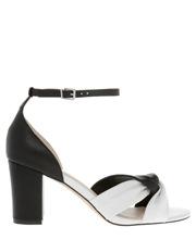 Thalia Blk/Wht Sandal