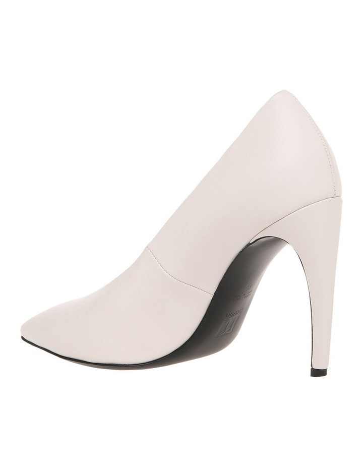 White B8W6037-1563WHO 1563 White Heel Shoe image 2
