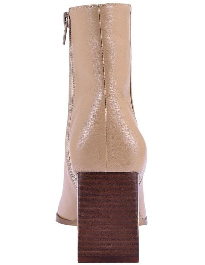 Buck Camel Boot image 3