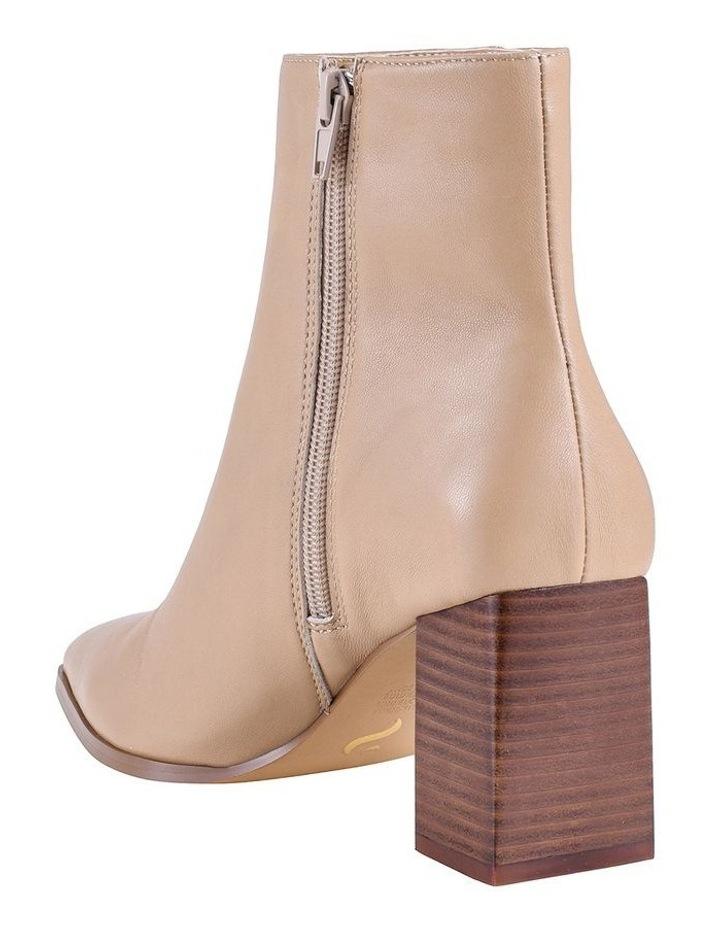 Buck Camel Boot image 4