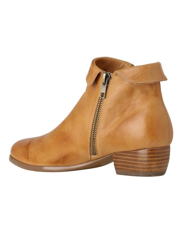 Zippy Light Tan Boot image 3