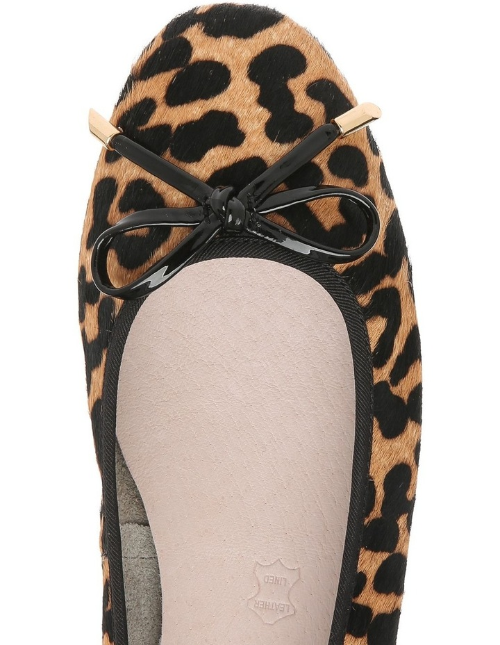 Yasmin1 Leopard Flat image 3