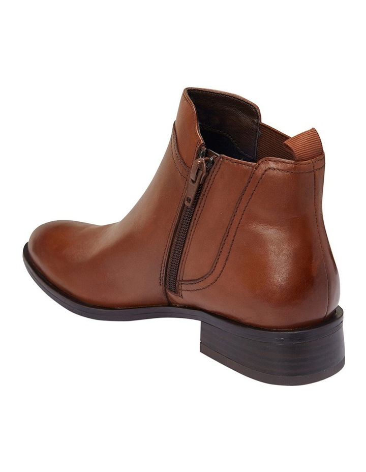 Jericho Mid Brown Glove Boot image 3