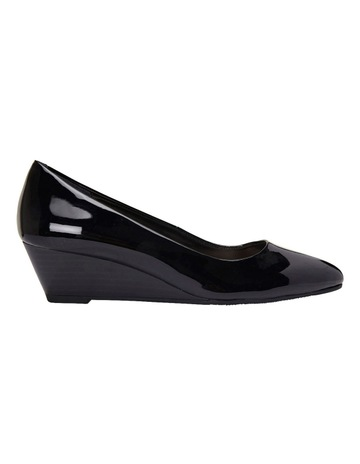ca9e6d7a0e2 Sandler Henry Black Patent Heeled Shoes