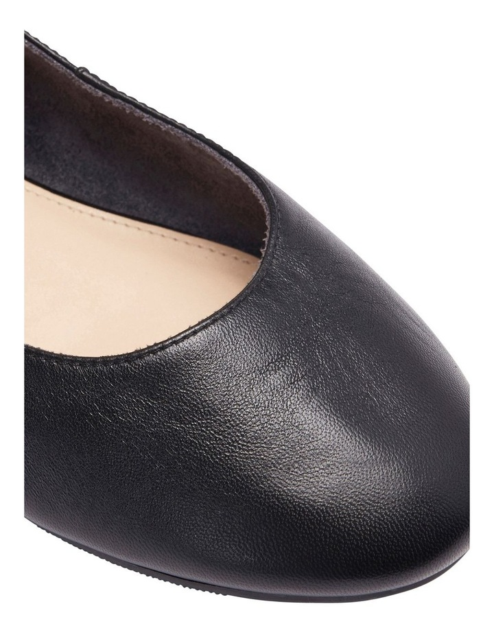 Gaze Black Glove Flat Shoes image 7