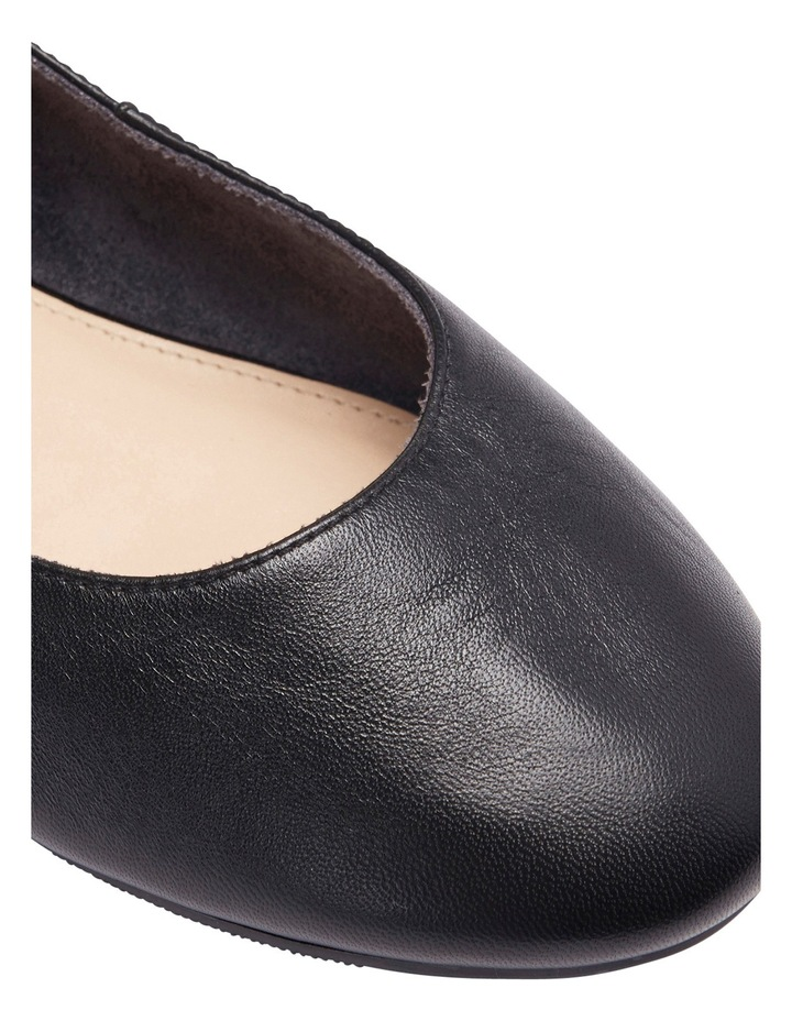 Gaze Black Glove Flat Shoes image 8