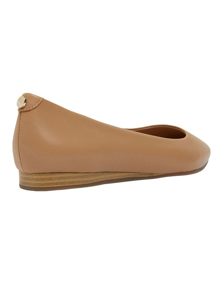 Laura Camel Glove Flat Shoes image 4