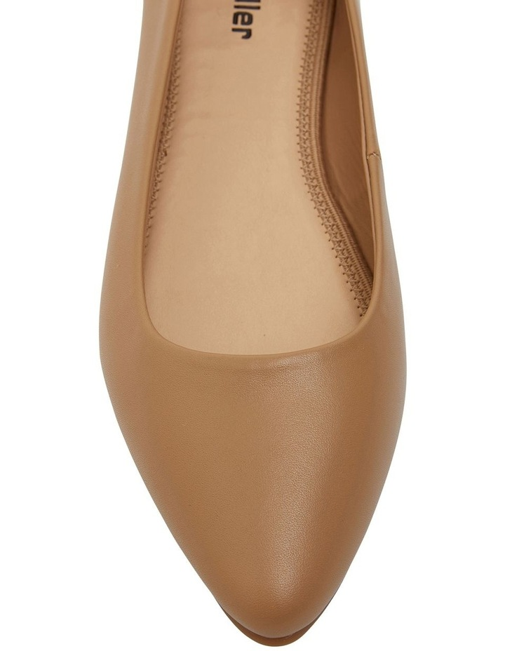 Laura Camel Glove Flat Shoes image 6