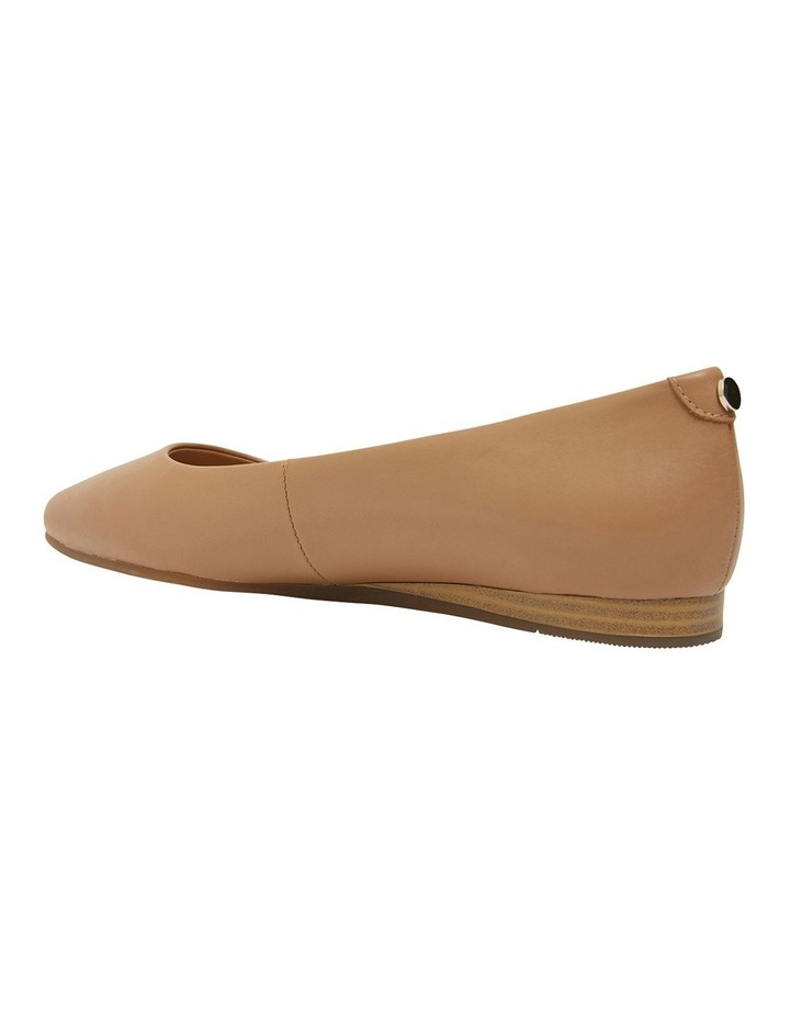 Laura Camel Glove Flat Shoes image 7