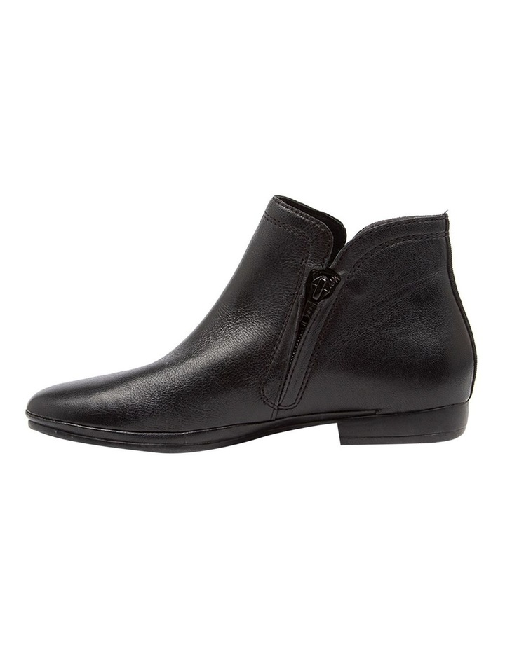 Ollaie Black Boot image 3
