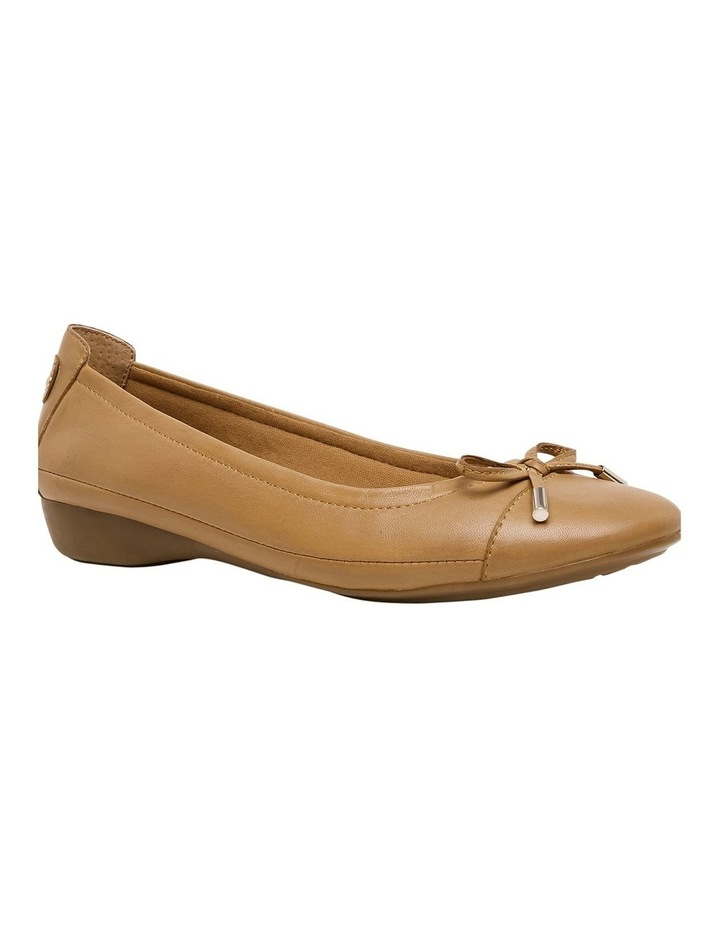 Supersoft Embark Tan Flat Shoe image 1