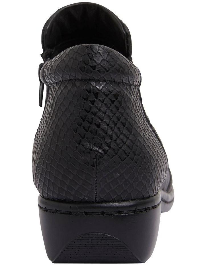 Vault Black Glove/Snake Boot image 5