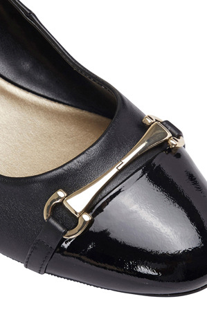 Easy Steps - Riley Black Patent/Glove Pump