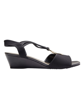 607f8d36975d Easy Steps Cynthia Black Fabric Sandal