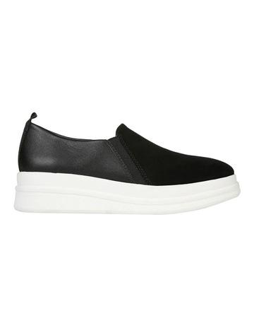 timeless design 72781 feea4 Naturalizer Yola Black Sneaker