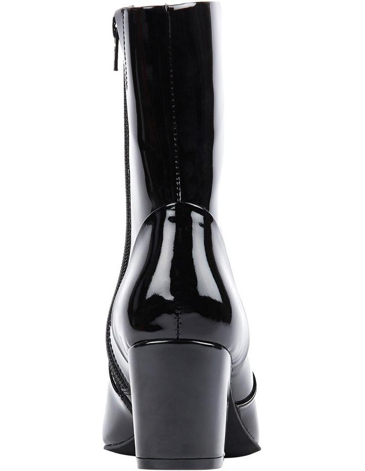 Blushing Boot image 2