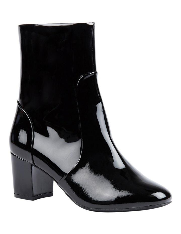 Blushing Boot image 4