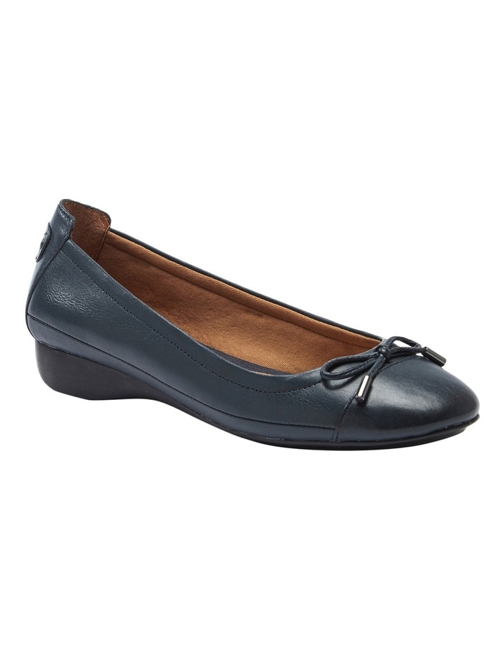 Embark Dark Blue Pump image 2
