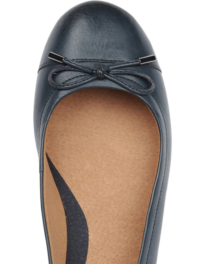 Embark Dark Blue Pump image 3