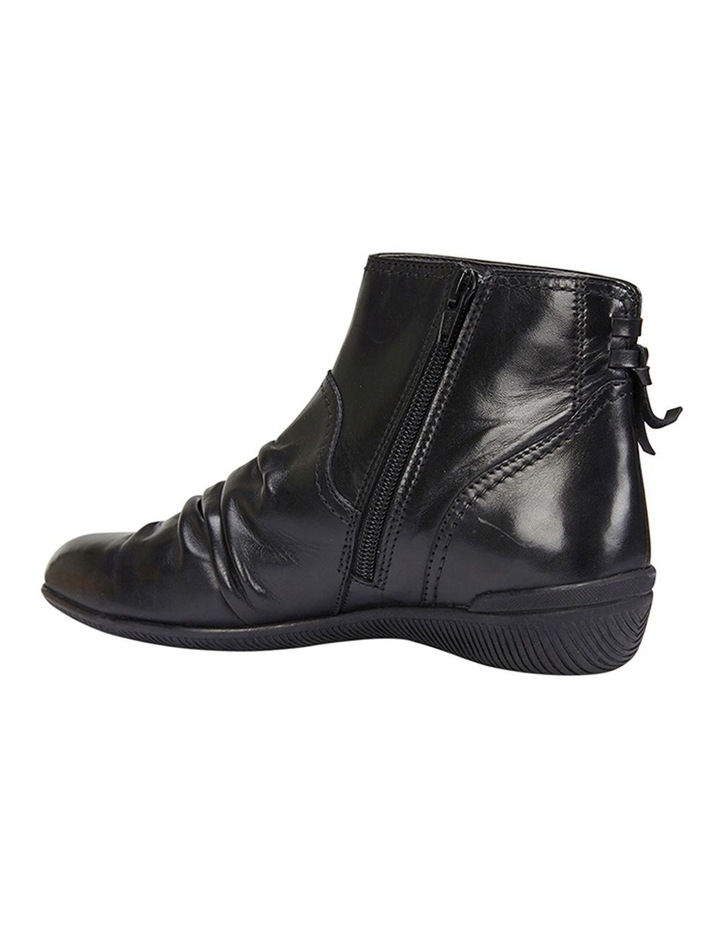 Waltz pleated leather black glove boot image 7