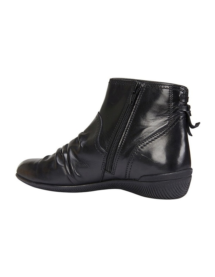 Waltz pleated leather black glove boot image 4