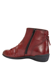 Wide Steps - Waltz pleated leather red glove boot
