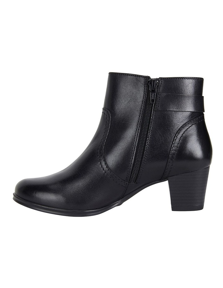 Wide Steps Mascot black glove boot image 3