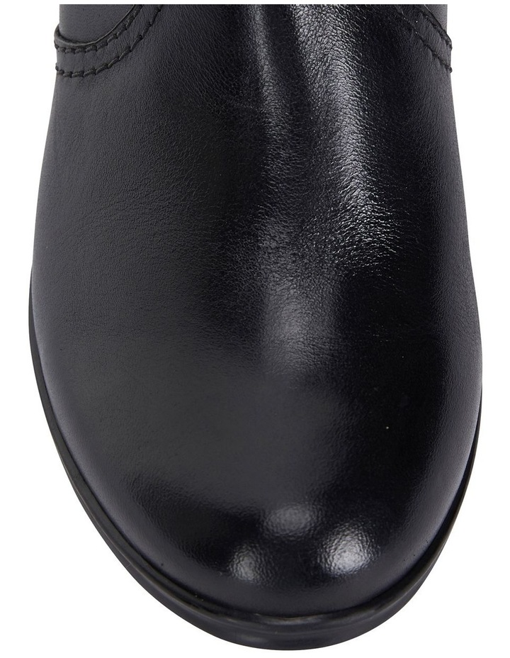 Wide Steps Mascot black glove boot image 7