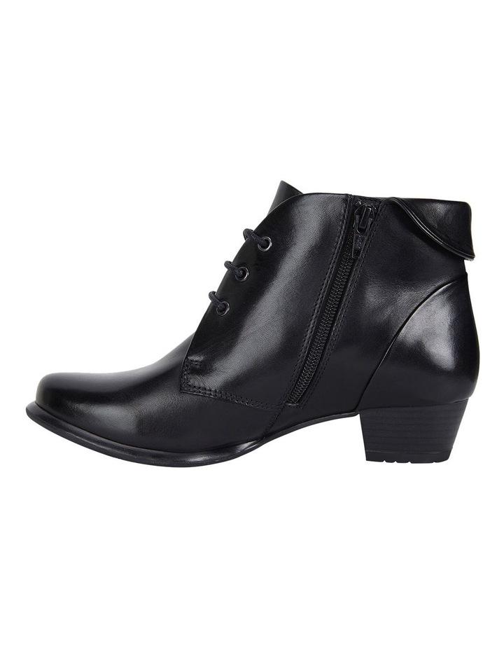 Wide Steps Driver black glove boot image 3