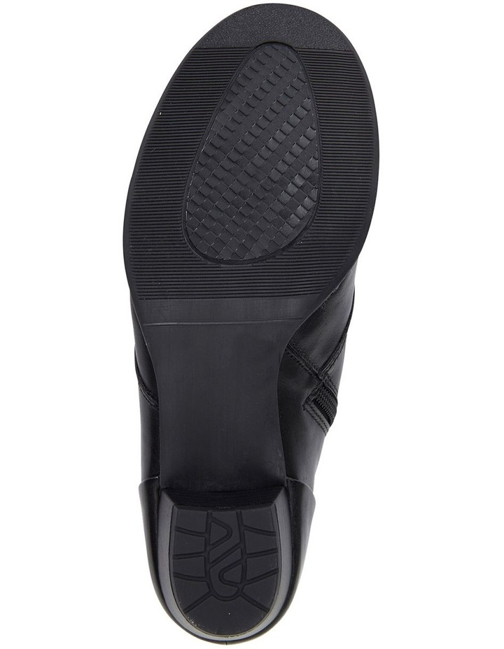 Wide Steps Driver black glove boot image 6
