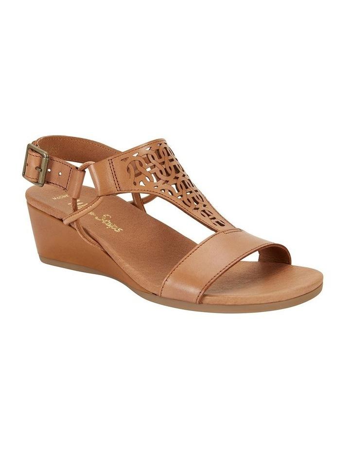 Wide Steps Magnet Cognac Glove Sandal image 2