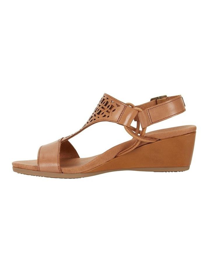 Wide Steps Magnet Cognac Glove Sandal image 3