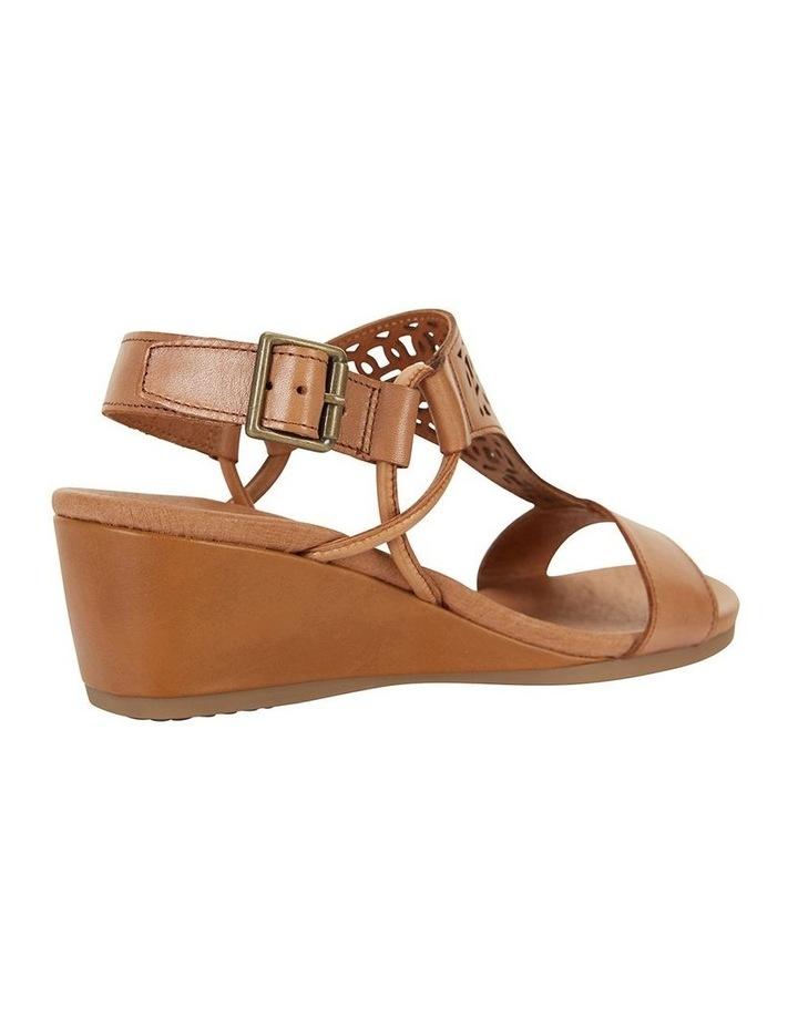 Wide Steps Magnet Cognac Glove Sandal image 4