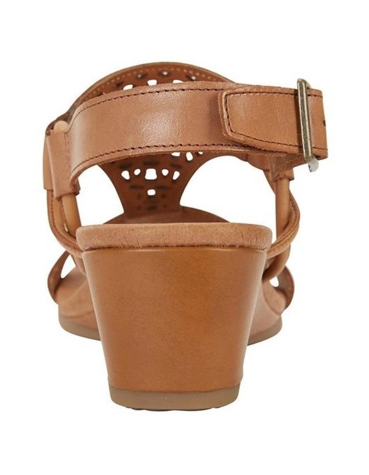 Wide Steps Magnet Cognac Glove Sandal image 5