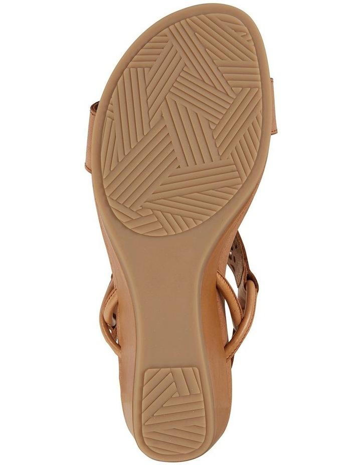 Wide Steps Magnet Cognac Glove Sandal image 6