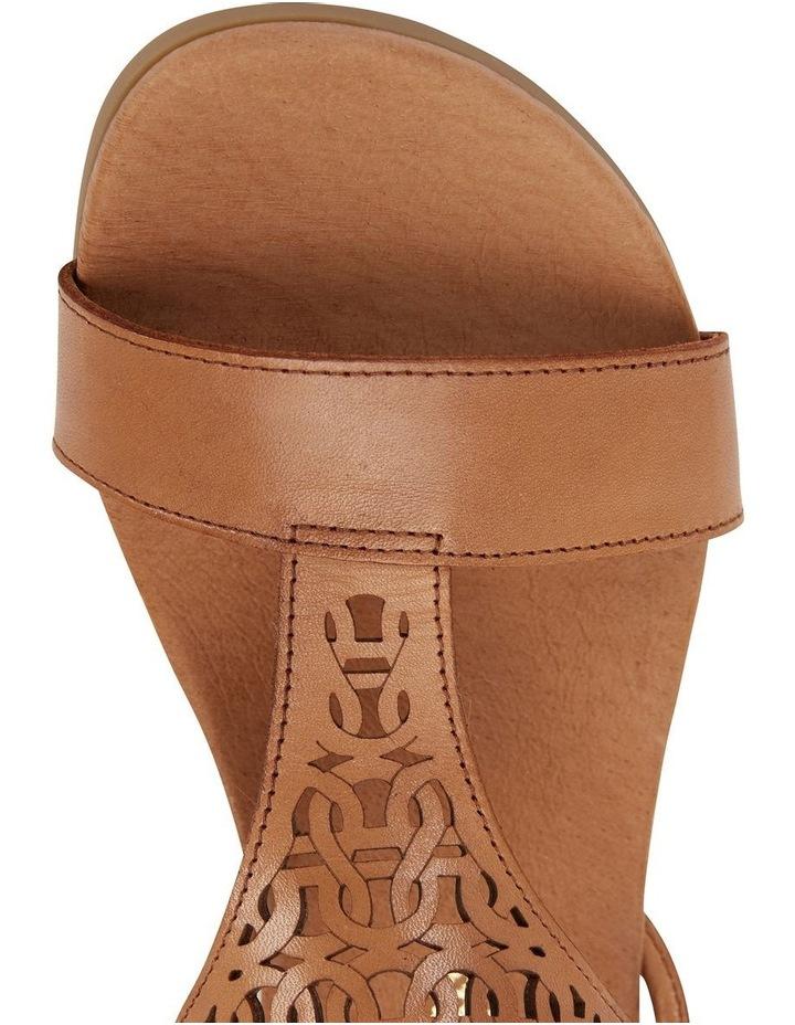 Wide Steps Magnet Cognac Glove Sandal image 7