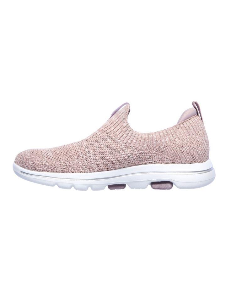 Go Walk 5 Trendy Sneaker image 3