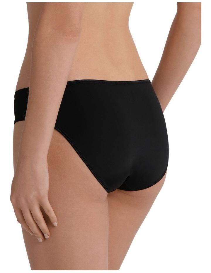 Smooth Bikini image 2