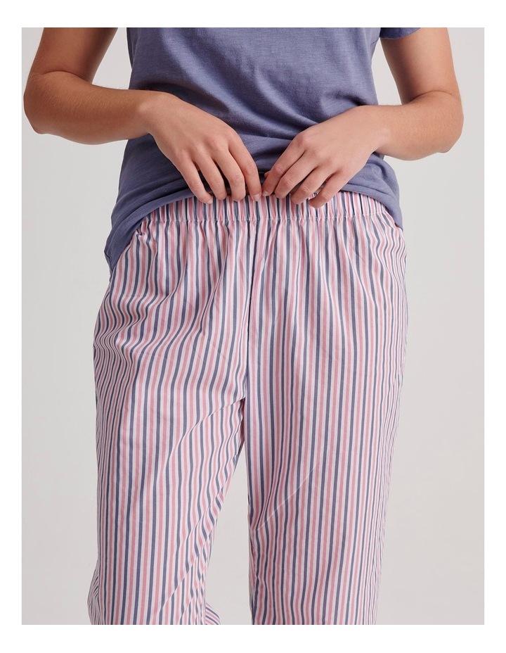 V-Neck 3/4 Pyjama Set image 3