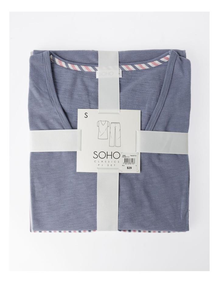 V-Neck 3/4 Pyjama Set image 5