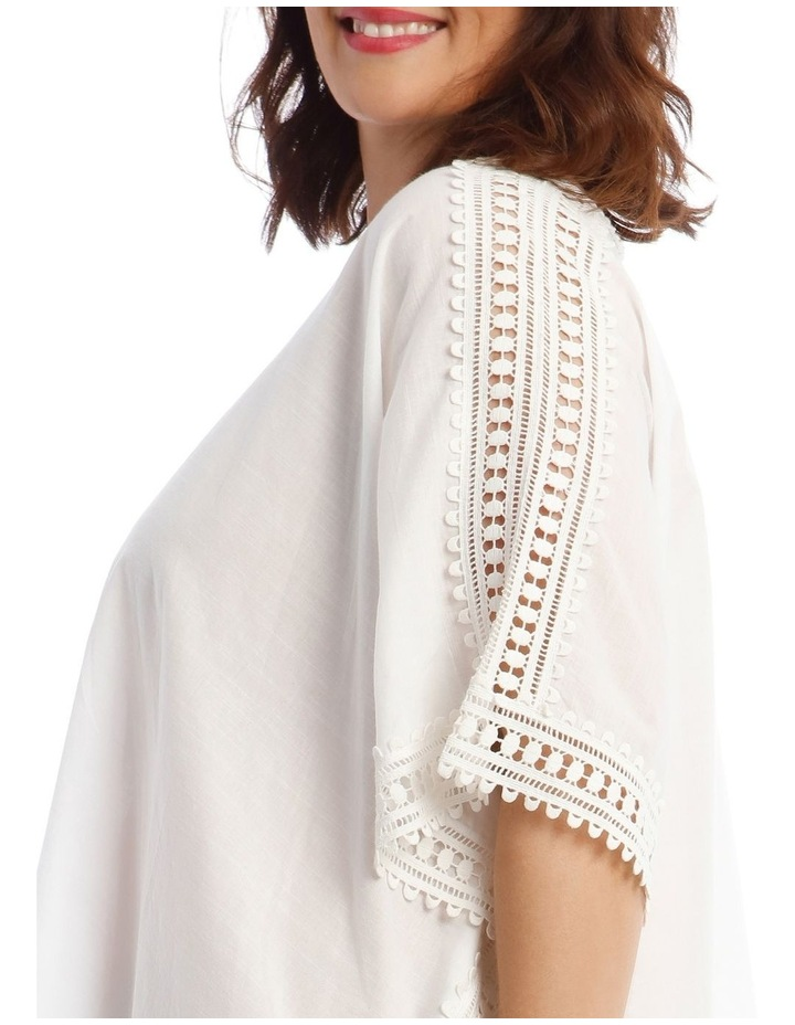 Kaftan with Lace Detail image 3