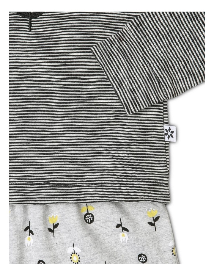 Long-Sleeve T-Shirt with Pants image 3