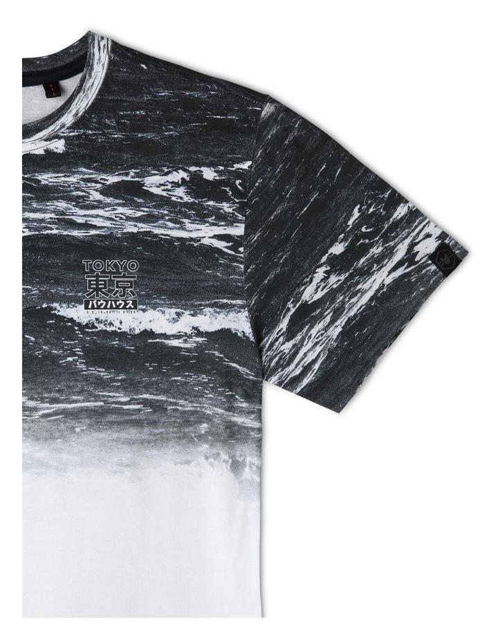 Curved Hem T-Shirt image 3