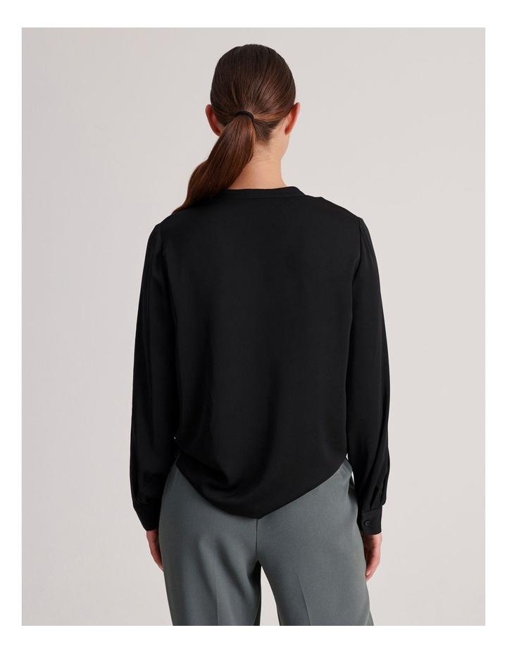 Two Pocket Shirt in Black image 3