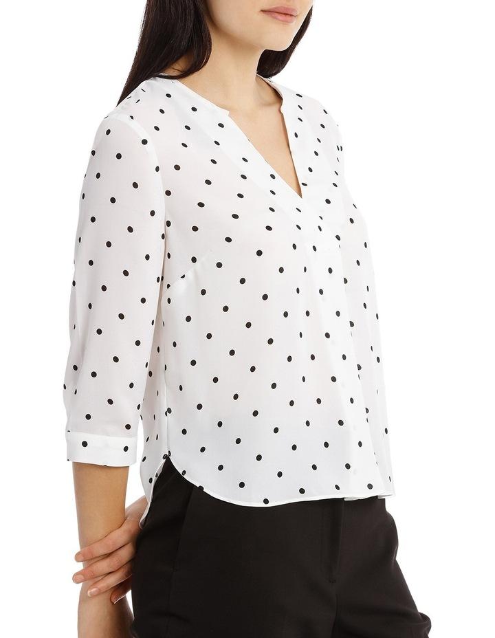 Cross Over Neck 3/4 Shirt - Spot image 2