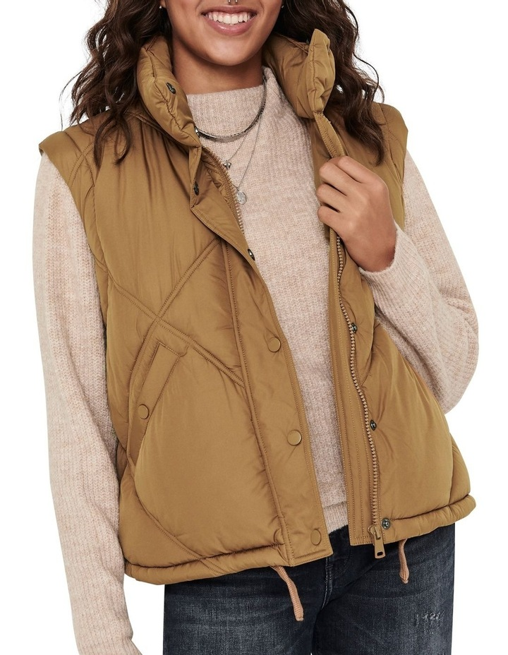 Hannah Quilted Jacket image 4