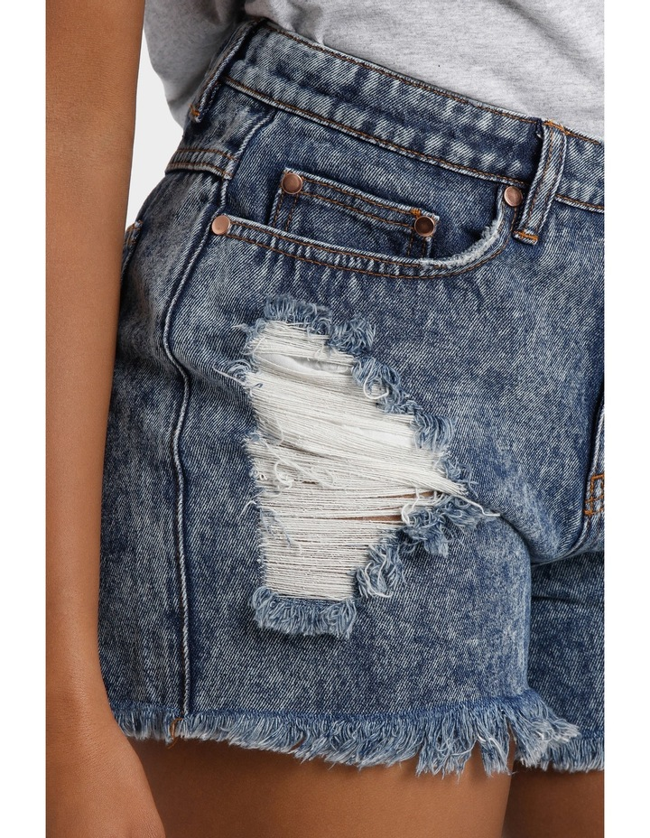 DARK WASH HIGH WAIST RIPPED UP DENIM SHORT image 4