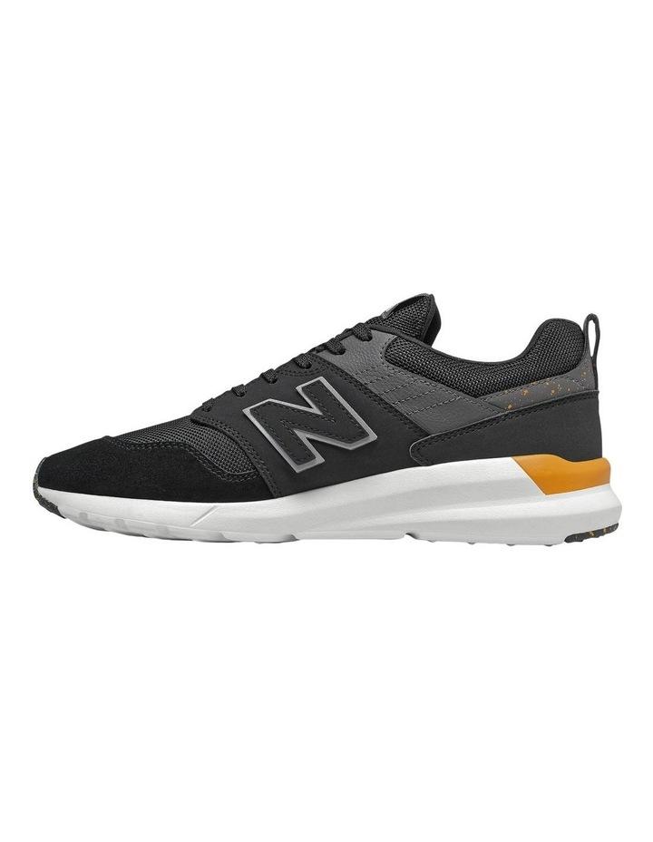 90s Sneaker image 2